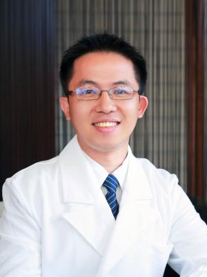 黃秉緯 醫師