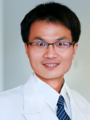 急診部醫師  牛光宇