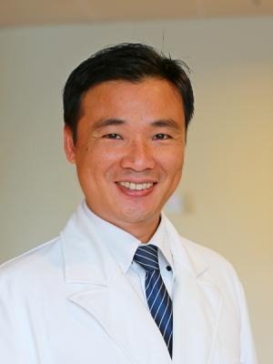 何明山 醫師