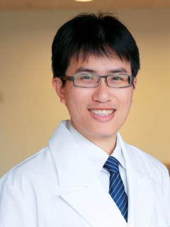 凌慶賢醫師