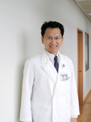 朱崧肇 醫師
