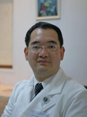 王健興  醫師
