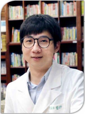 陳威源 (第三年住院醫師)